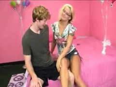 couple-enjoy-their-valentine-s-day-with-full-of-cum