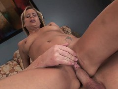 this-lustful-blond-milf-is-a-real-anal-aficionado-and-she