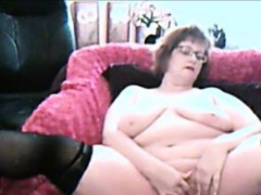 nasty-granny-with-glasses-homemade-masturbation