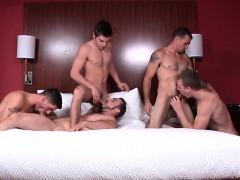 muscular-jocks-cocksucking-group-session