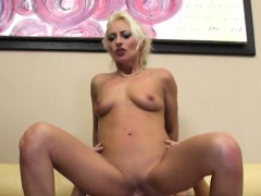 horny-pussy-screaming-orgasm