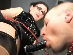 hot-pornstar-clit-sucking