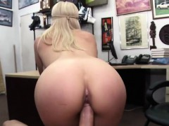 hot-blonde-chick-gets-her-pussy-fucked