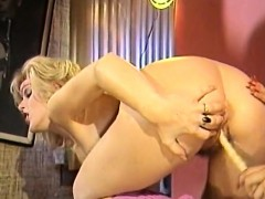 amber-lynn-in-classic-sex-video