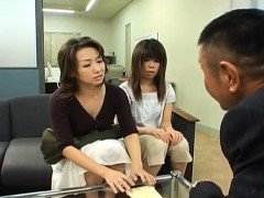 miki-yoshii-and-mom-mouths-fucked-by-men