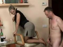 sexy-german-milf-give-footjob