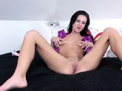 violeta-with-sexy-feet-gaping-cunt