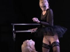 lesbian-ballerinas-licking-cunts
