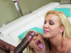 ryan-and-anikka-receives-a-creamy-load