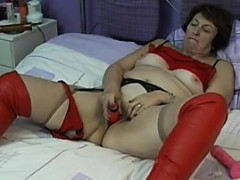 gran-in-red-boots-fuks-here-pussy