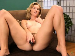 brooke-johnson-pleases-her-pussy-with-her-toy