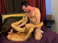 gay-boys-naked-kissing-sexy-after-his-mom-caught-him-fuckin
