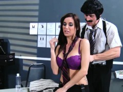busty-massage-babe-gia-dimarco-pussyfucked