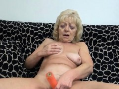 blonde-masturbating-granny