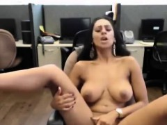 amateur-indian-wife-masturbates-in-stockings-in-office