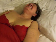 mature-bbw-gets-mouth-fucked-while-she-toys-her-cunt