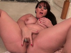 pantyhose-make-mom-lauren-s-pussy-scream-for-attention