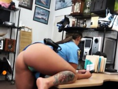 amateur-cheerleader-being-banged-by-pawn-guy