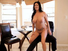 flirting-mature-bitch-gives-oral-stimulation-to-her-stud