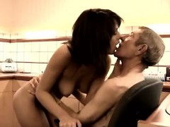 young-shower-amateur-dokter-petra-is-probing-the-health-prob
