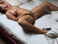 mature-doll-rubbing-herself-to-orgasm