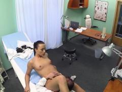beautiful nurse nailed on desk by doctor – سكس اجنبي الممرضة والمريض نيك ساخن