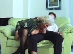 busty mom doing deepthroat sex – ناك مرات ابوه فى كسها