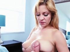 blondie-jazmyn-kneels-down-for-a-big-cock