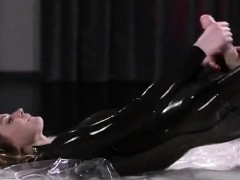 maria-pie-latex-strapon-solo-until-cumshot-straplessdildo