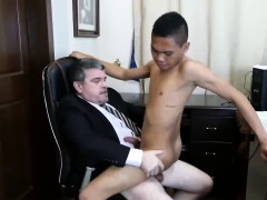 daddy-arrives-at-the-office-and-he-is-feeling-really-horny