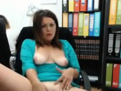 at-the-office-cam-masturbation