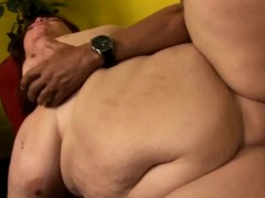 fat-babe-starts-up-to-sex