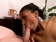 african-hotty-sucks-a-big-white-cock-to-get-her-pussy