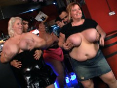 hot-bbw-party-in-the-bar