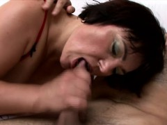 Chunky Heartbreaker Anna Is A Horny Milf Begging For Some Dick