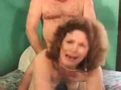 sexy-milf-masturbates