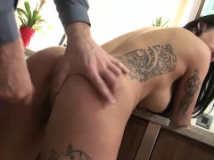 slutty-chick-with-tattoos-gets-fucked-and-a-facial