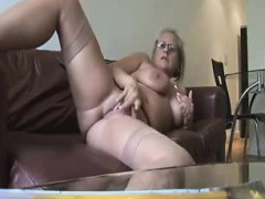 hot-mature-showing-and-fingering-jeremy