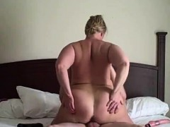 wife-riding-guy-from-the-bar-fre
