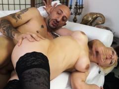 castingallaitaliana-blonde-newbie-s-anal-during-a-casting