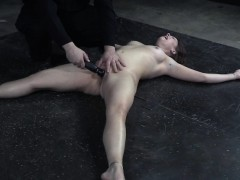 submisive-slut-flogged-and-pussy-toyed