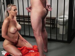 kinky-beauty-gets-cumshot-on-her-face-swallowing-all-the-sem
