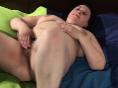 huge-mature-mom-playing-with-her-h-iesha-from-1fuckdatecom