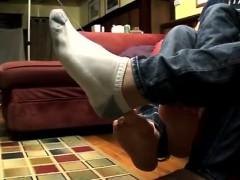 movie-masturbation-boy-gay-japan-a-well-rewarded-foot-wank