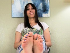 Oiled Bigfeet Tgirl Flexing Her Pretty Toes