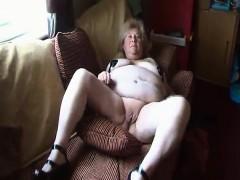 alana-having-fun-with-vagina