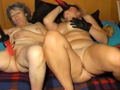 omapass-amateur-mature-and-granny-with-toys