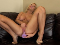 gorgeous blonde tasha reign masturbating