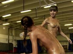 oiledup babe fingered by wrestling opponent