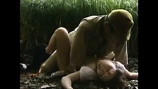 セクシーな東洋婦人はA組の軍隊の男に彼女を共有させておく-3264961-ポルノ屋